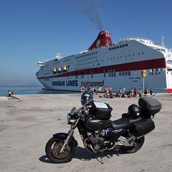 Débarquement du ferry sur le port d'Igoumenitsa, Grèce.