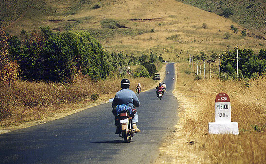 Vietnam, sur la route de Pleiku