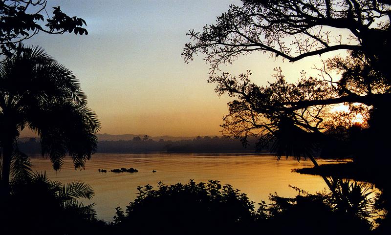 Le jour se lève sur le lac Tana, Bahar-Dar - Ethiopie, février 2000