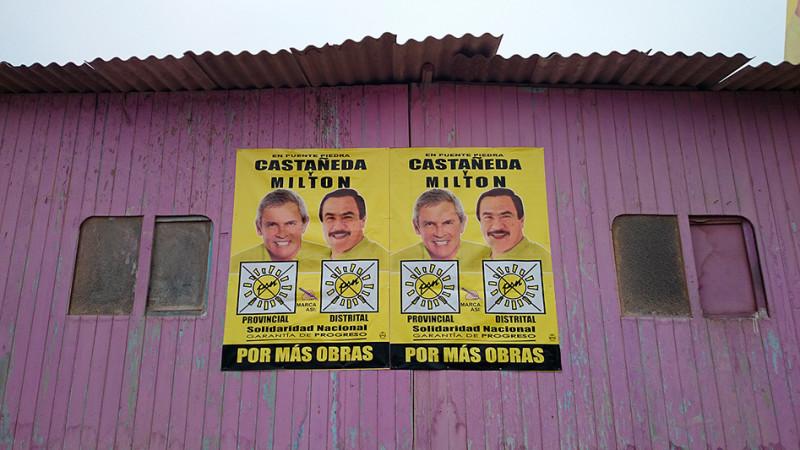 Affiches électorales dans le quartier de la Ensenada, Lima - Pérou 2014