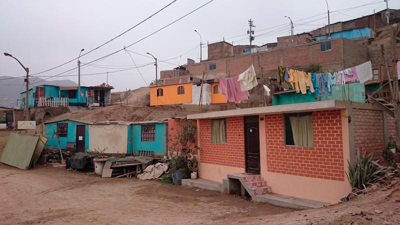 Maisons dans le quartier de la Ensenada, Lima - Pérou 2014