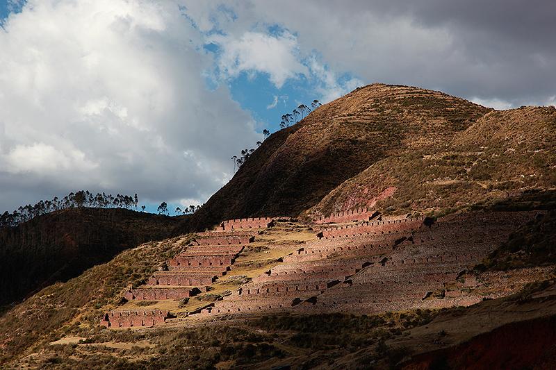 Jeu de lumière sur des vestiges Incas entre Chinchero et Urubamba, Pérou - 2014