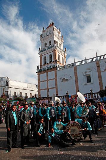 La fanfare au grand complet, Sucre, Bolivie - 2014