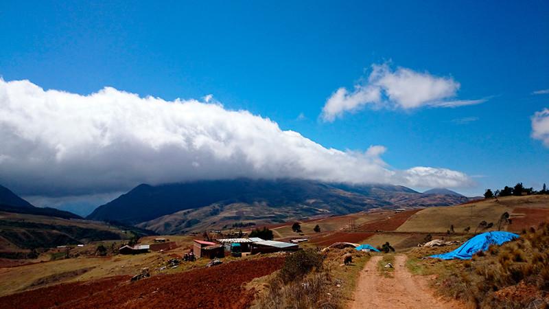 Nuages sur les crêtes entre Cochabamba et Samaipata, Bolivie - 2014