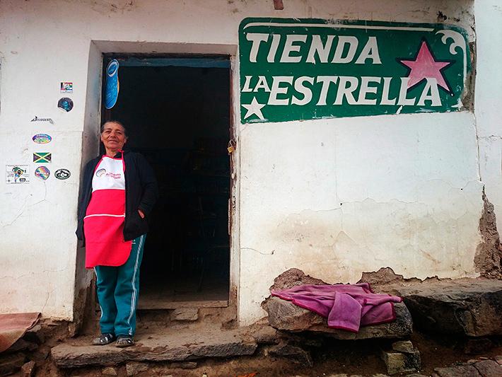 Tienda la Estralla, La Higuera, Bolivie - 2014
