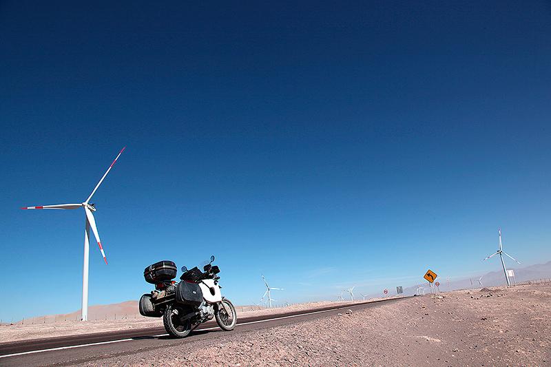 Eoliennes dans le désert d'Atacama, Chili - 2014