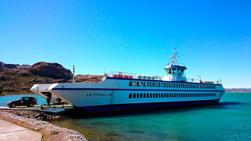 Ferry pour Chile Chico , Chili - 2014