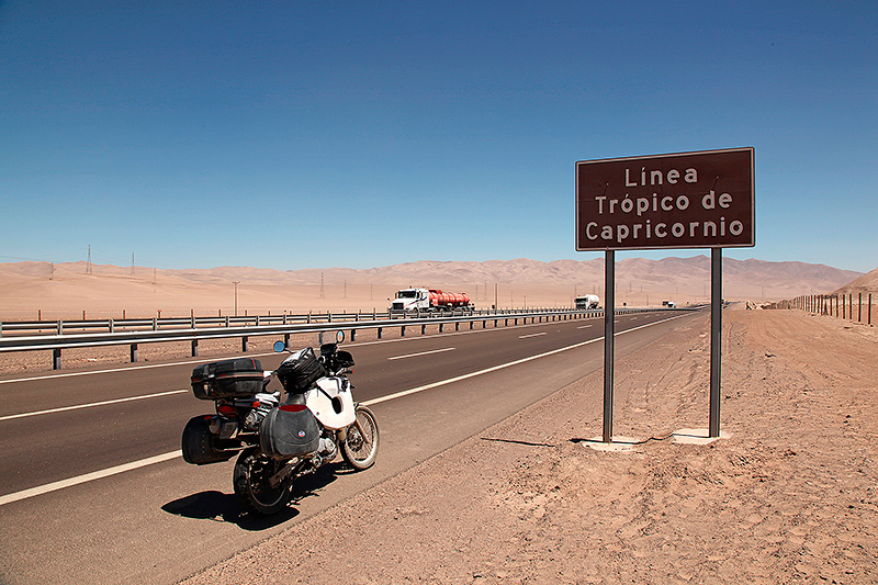 Passage du tropique du Capricorne, un peu avant Antofagasta, Chili - 2014