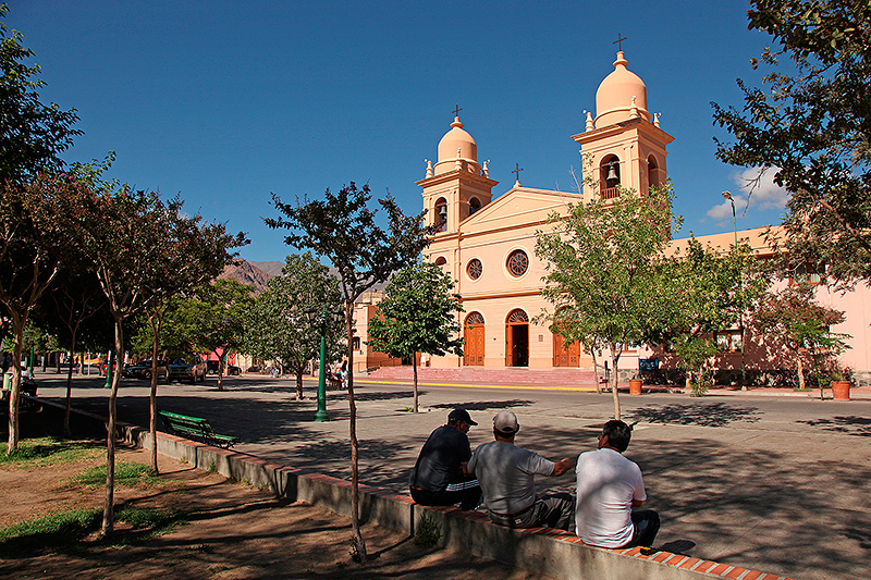 La plaza San Martin, Cafayate, Argentine - 2014