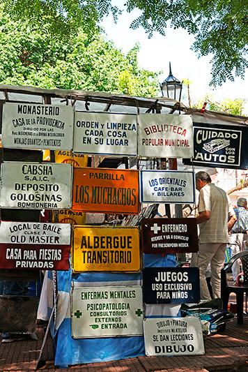 Marché aux puces plaza Dorrego, Buenos Aires, Argentine - 2014