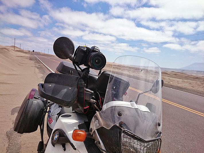 EOS 5D mkII sur guidon pour vidéo à moto, Pérou - 2014