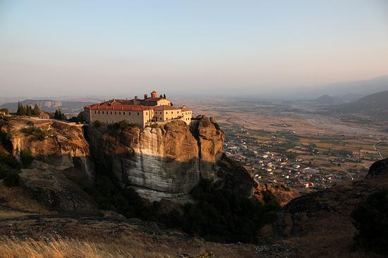 Le monastère de Saint Stéphane, Météores, Grèce 2011.