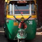 Le plus connu des taxis de Delhi : un auto rickshaw - Delhi, Inde 2012