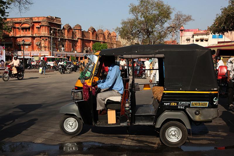 Auto rickshaw dans les rues de Jaipur - Inde 2012