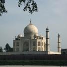 Le Taj Mahal, vu depuis Mehtab Bagh sur la rive Est de la rivière Yamuna - Agra, Inde 2012