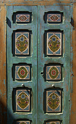 Porte ancienne sur un marché, El Jem - Tunisie 2009