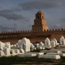 Le cimetière des Awlad Farhan, sous les remparts de la médina, Kairouan - Tunisie 2012