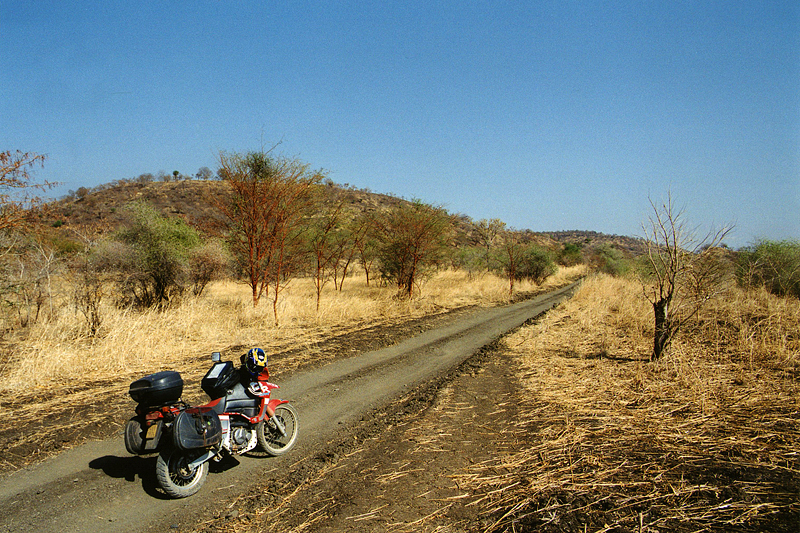 Au bout de la piste, la frontière avec l'Ethiopie, Soudan, février 2000