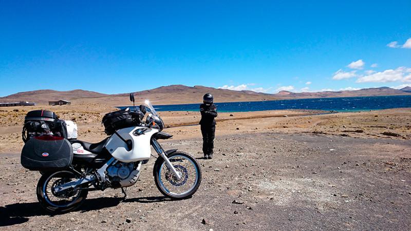 Lac d'altitude sur l'altiplano, Pérou - 2014