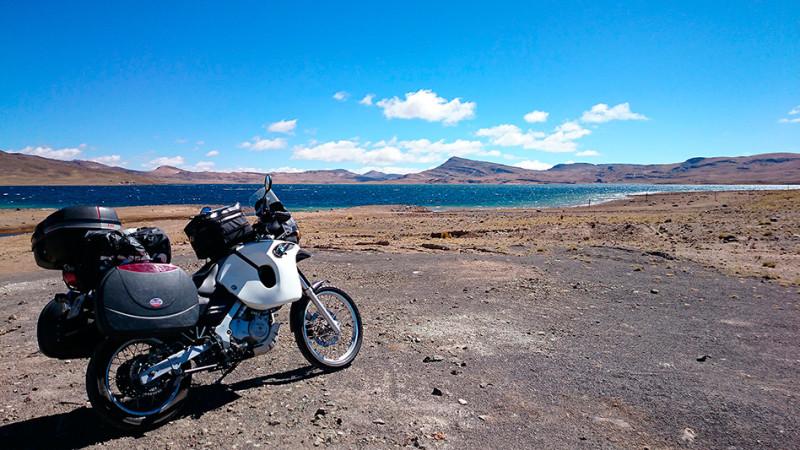Lac d'altitude à 4000m sur l'altiplano, Pérou - 2014