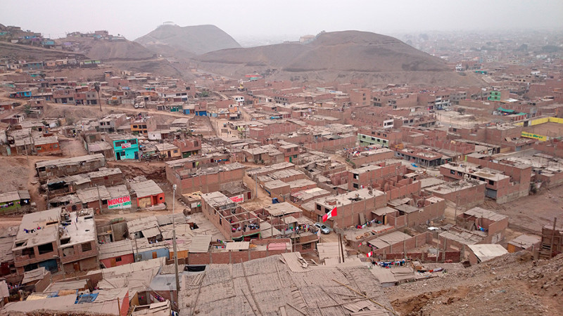 Quartier (bidonville) de la Ensenada, Lima - Pérou 2014