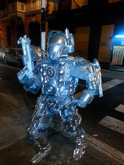 Une rencontre insolite, Robocop dans les rues de Lima - Pérou 2014