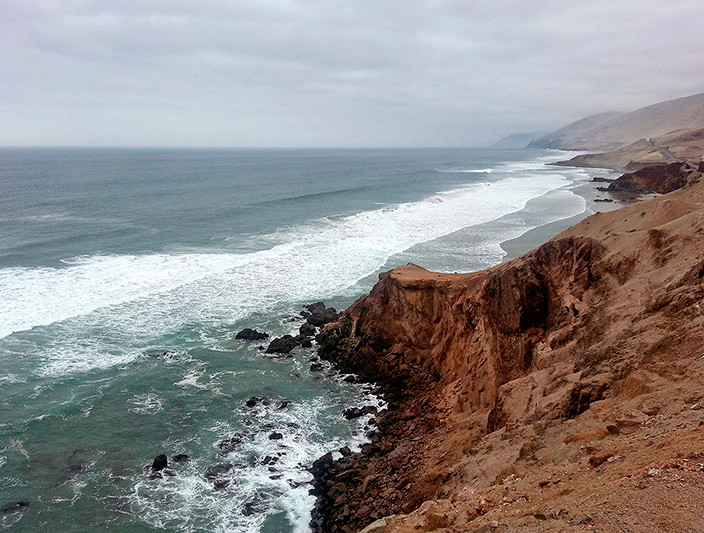 Les vagues du Pacifique, sur les côtes du Pérou entre Camana et Apico - 2014