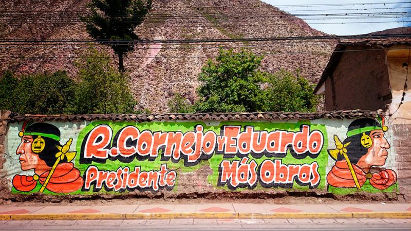 Peintures électorales, Urubamba, Pérou - 2014