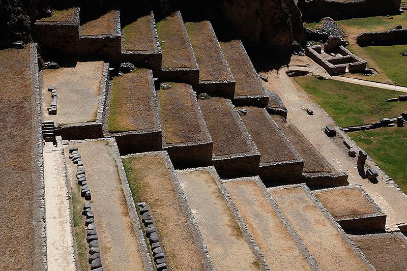 Terrasses du site Inca à Ollantaytambo, Pérou - 2014