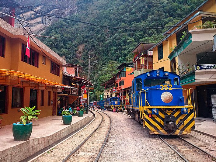 Un train Peru-rail a Aguas Calientes, Pérou - 2014