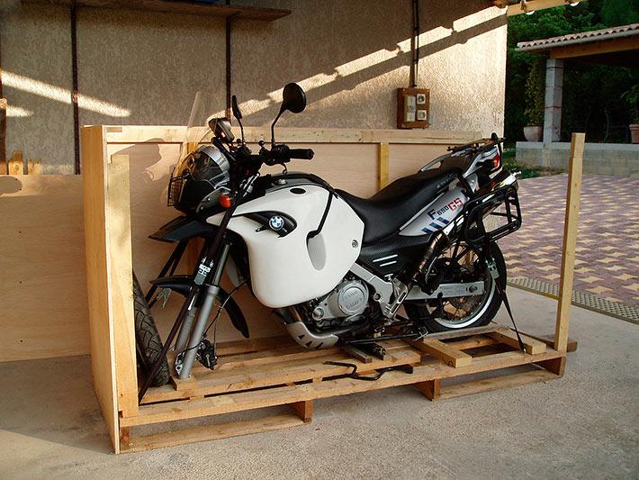 Construction de l'ossature - mettre sa moto en caisse