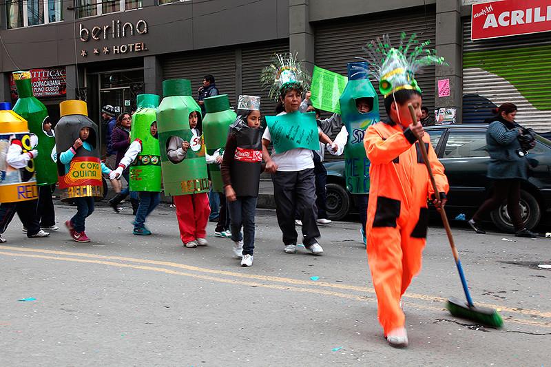 Les enfants défilent pour l'environnement, La Paz, Bolivie - 2014