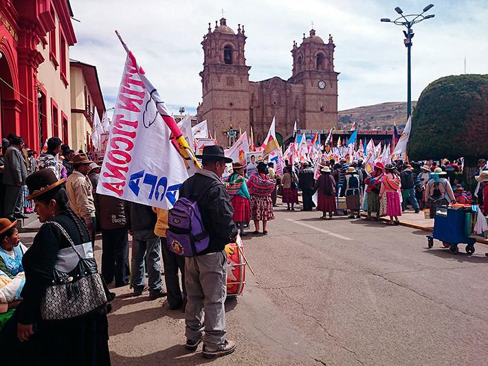 Manifestation sur la Plaza de Armas, Puno, Pérou - 2014