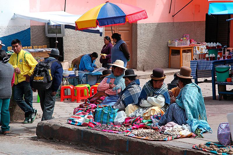 Marché de rue, Copacabana, Bolivie - 2014