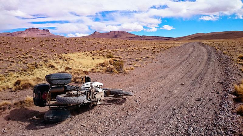 Chute sur la piste, Sud Lipez, Bolivie - 2014
