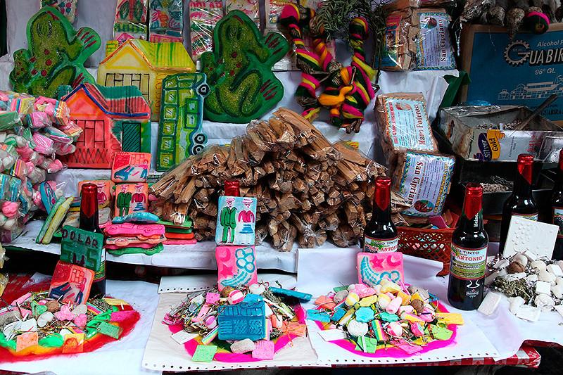 Offrandes à la Pachamama, mercado de hechiceria (marché des sorcières), La Paz, Bolivie - 2014