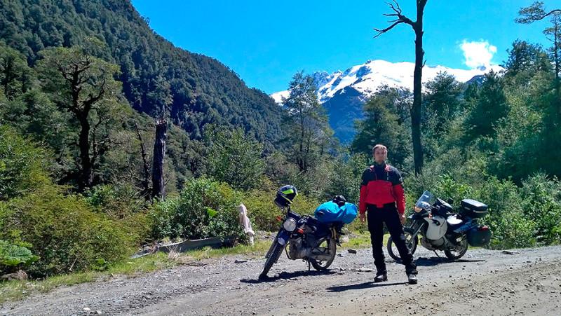 Andrzej et sa 125 Honda CB1, Carretera Austral, Chili - 2014