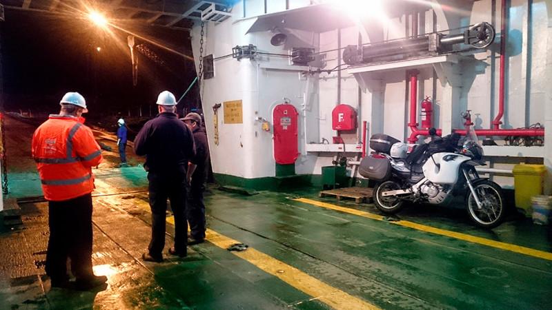 Embarquement sur le ferry pour Chaiten à Puerto Montt, Chili - 2014
