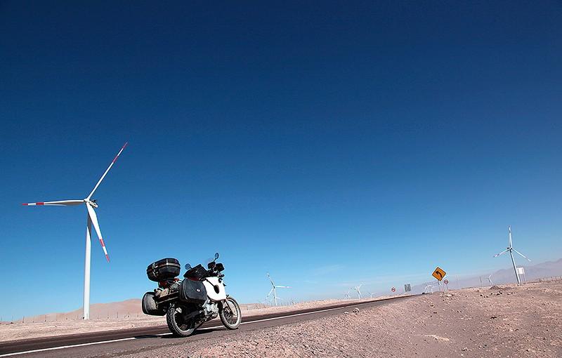 Eoliennes dans le désert d'Atacama, Chili- 2014