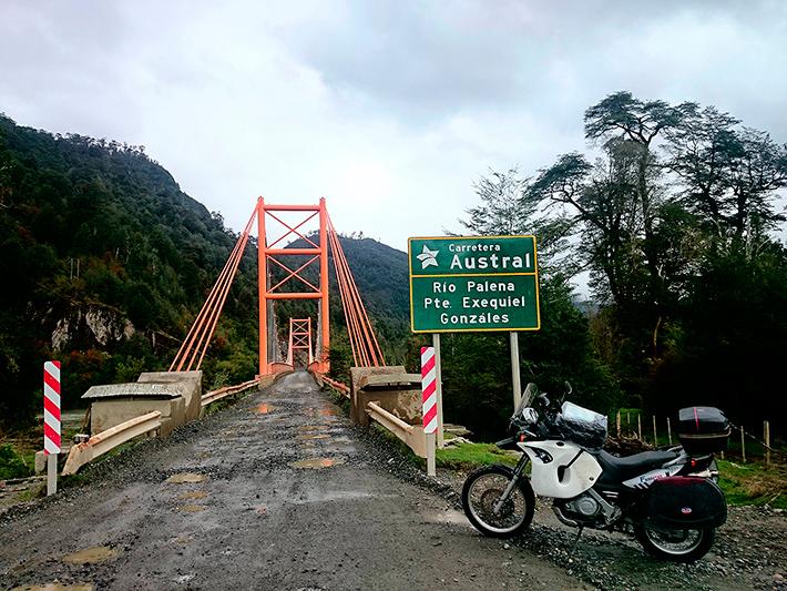 Pont sur le rio Palena, Carretera Austral, Patagonie, Chili - 2014
