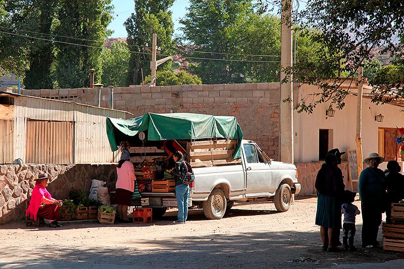 Echoppe improvisée sur le marché, Humahuaca, Argentine - 2014