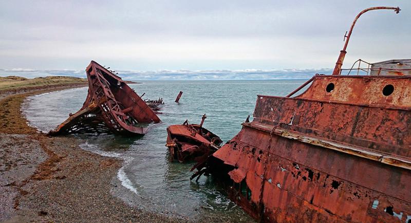 Les épaves du vapeur Amadeo et Ambassador, détroit de Magellan, Terre de Feu, Chili - 2014