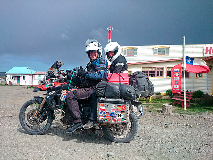 Sheldon et Eva, en route pour Ushuaia, San Sebastian, Chili - 2014