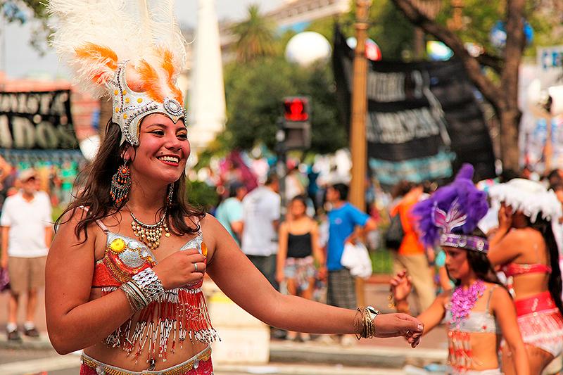 Danseuse sur la plaza de Mayo, Buenos Aires, Argentine - 2014
