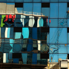 Réflection des installations portuaires du Muelle Prat, Valparaiso, Chili - 2014