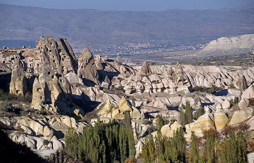 Cappadoce paysages de tuf volcanique for Habitat du monde