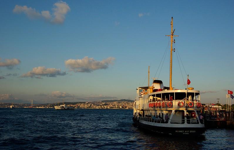 Ferry à Eminönü, Istanbul, Turquie - 2009