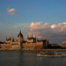 Le parlement sur les bords du Danube, Budapest, Hongrie - 2009