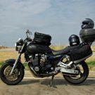 Mon Yamaha xjr 1200, sur la route d'Istanbul, La moto chargée avec sacoche de réservoir, top case et sacoches latérales souples, Turquie - 2009