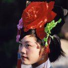 Jeune femme en tenue traditionnelle - Pékin, Chine, 2005